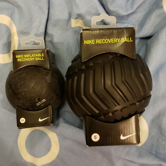 2 nike recovery black muscle tension relax balls